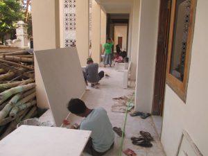 Genjot, para pekerja terus digenjot agar perpustakaan baru segera bisa ditempati